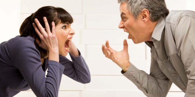 صورة شجار حاد بين رجل و إمرأة