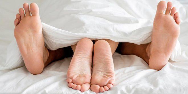 صورة رجل و إمرأة يمارسان الجنس